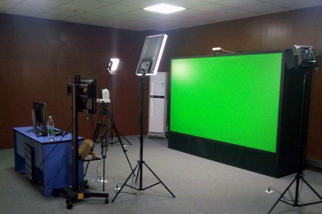 摳像技術4K互動綠板錄課系統