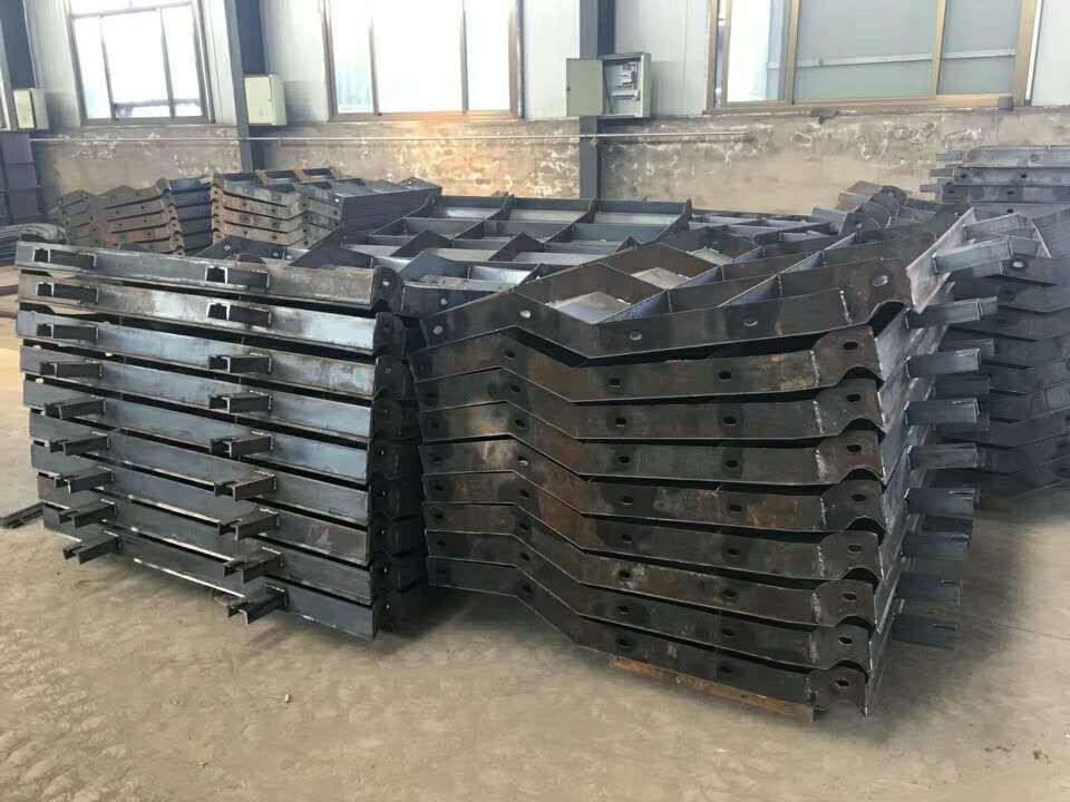 混凝土防撞墙模具-预制防撞墙模具制造商