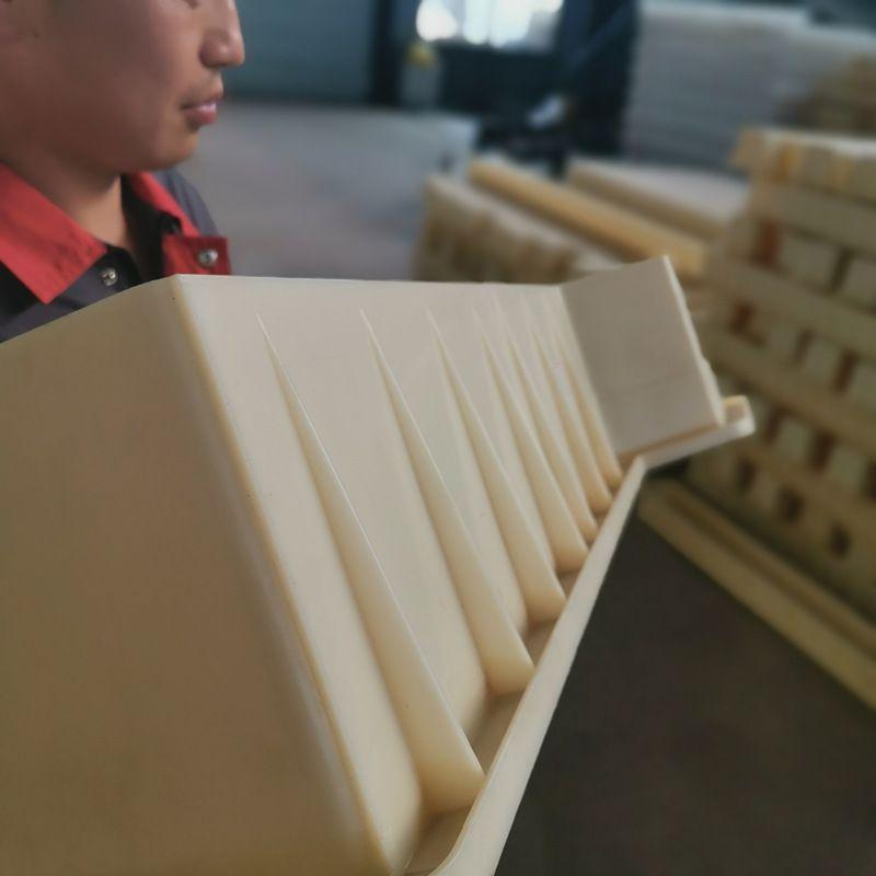 桥梁防护栏模具厂家-新疆桥梁防护栏模具