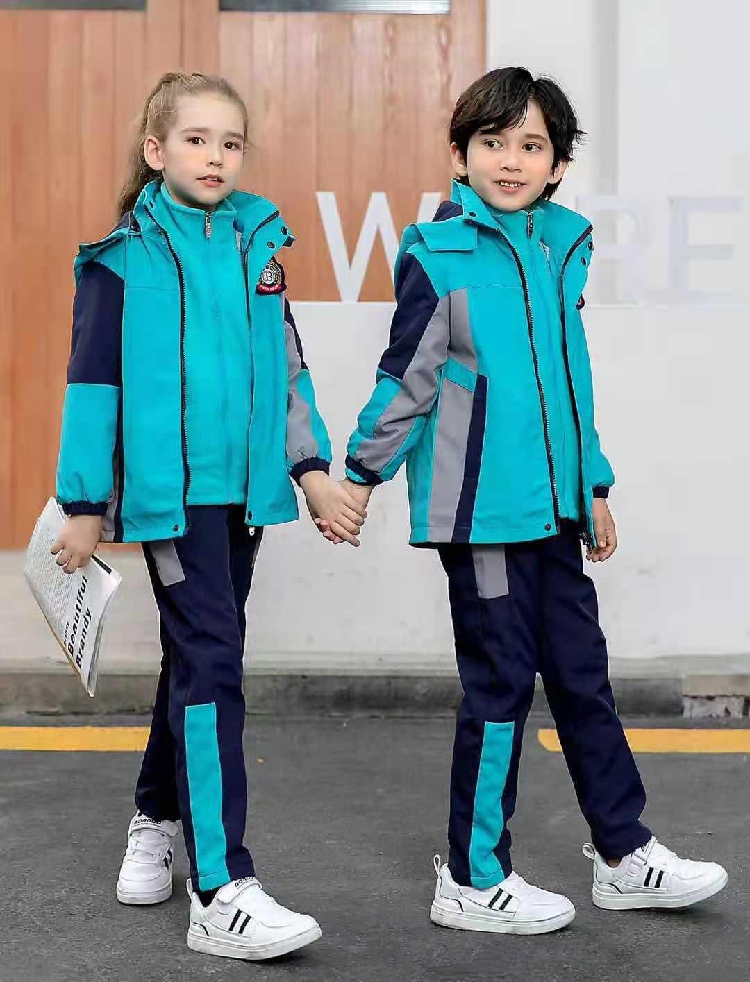 幼儿园儿童冲锋衣