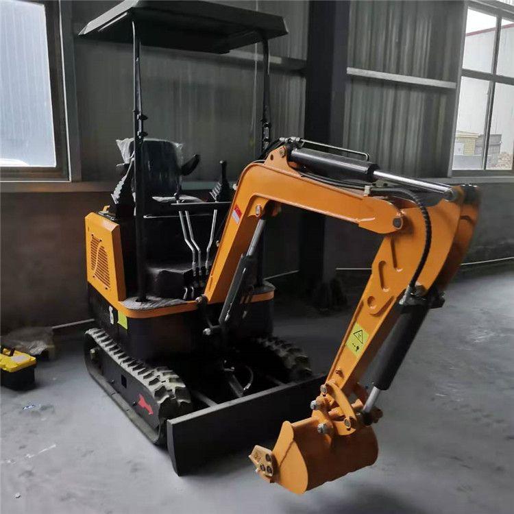 山东轮式小型挖掘机 现货促销 小型挖土机厂家 柴油小挖机