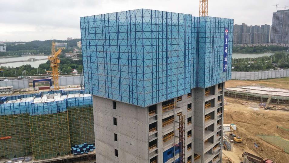 湖南创丰全钢爬架在建筑施工中的重要性