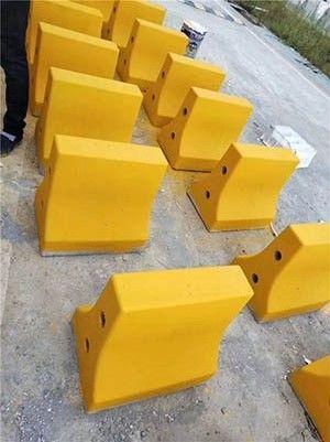高速隔离墩模具-混凝土隔离墩模具
