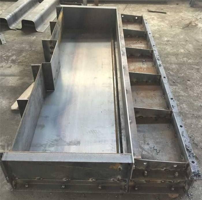 防撞墙钢模具生产厂家-防撞墙钢模具厂家制作供应